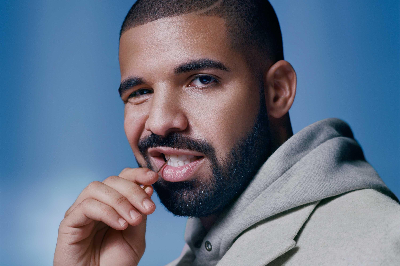 Drake fue el invitado de honor en la graduación de su prima